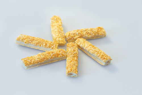 Solomka with cheese and sesame